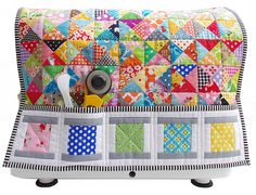 Red Pepper Quilts: Quilty Fun - Lori Holt-Perfect sewing machine cover and then turns into mat! Quilting Tutorials, Quilting Projects, Sewing Projects, Small Quilts, Mini Quilts, Scrappy Quilts, Fabric Crafts, Sewing Crafts, Sewing Machine Quilting