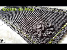 Tapete Ponto Relevo com Trancinha em Crochê Overlays, Texture, Rugs, Youtube, Crafts, Crochet Carpet, Bath Rugs, Bathroom Sets, Table Runners
