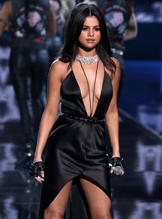 Kendall Jenner, Selena Gomez, Gigi Hadid Join the Victoria's Secret Angels for Annual Fashion Show - Egotastic - Sexy Celebrity Gossip and Entertainment News Selena Gomez Fashion, Selena Gomez Fotos, Selena Selena, Style Selena Gomez, Selena Gomez Pictures, Kendall Jenner, Fashion Shows 2015, Ellie Goulding, Marie Gomez