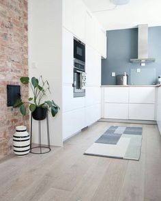 Cool 88 Modern Grey and White Kitchen Decoration Ideas. More at http://88homedecor.com/2017/10/10/88-modern-grey-white-kitchen-decoration-ideas/