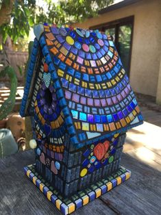gartenmosaik wandkunst The post Garden Mosaic Wall Art Gartenmosaik Wandkunst appeared first on DIY Projects. Mosaic Garden Art, Mosaic Tile Art, Mosaic Vase, Mosaic Flower Pots, Mosaic Birds, Mosaic Diy, Mosaic Mirrors, Pebble Mosaic, Mosaic Birdbath