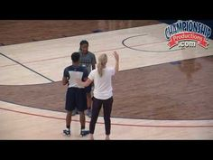How Geno Auriemma Wants Athletes to Play 1-on-1 Defense! - YouTube