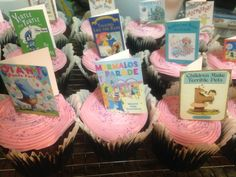 How To, How Hard, and How Much: Book Cupcakes - How to make these cupcake toppers Book Birthday Parties, Book Cupcakes, Middle School Libraries, Library Lessons, Library Ideas, Book Festival, Edible Cake, Book Themes, Bar