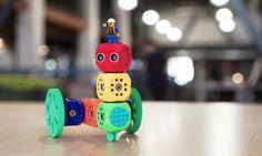 Todo evoluciona, incluso los juguetes. En Kickstarter ya han creado el LEGO del futuro, para que los niños puedan montar y dar vida a sus propios juguetes