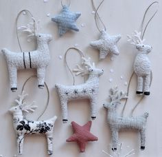 folkgarden Christmas 2017 Simple Reindeer to Make for a beautiful homemade Christmas. Instant download.