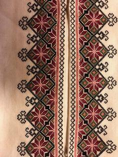 Skjorter til Øst Telemark Beltestakk Cross Stitch Geometric, Cross Stitch Art, Cross Stitch Borders, Cross Stitch Designs, Cross Stitching, Cross Stitch Patterns, Blackwork Embroidery, Cross Stitch Embroidery, Border Embroidery Designs