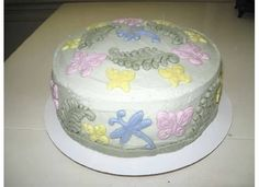 Quickie cake with fondant decorations