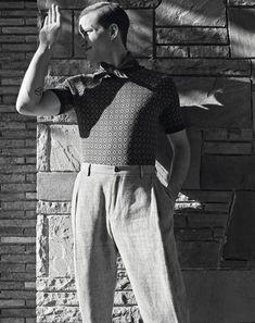 La moda de esta primavera vuelve a los años cincuenta. Repasamos la herencia de Buddy Holly y James Dean en clave  minimal