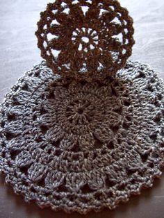 omⒶ KOPPA: Gray Flower circle