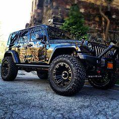 Jeep automobile - super image