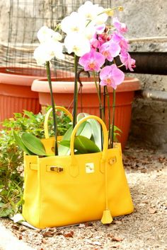 If I will have a yellow bag, it would have to be this <3