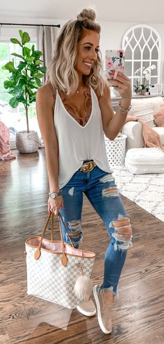white tank top - My style - Modetrends Look Fashion, Star Fashion, Womens Fashion, Women's Summer Fashion, Fashion Beauty, Cute Summer Outfits, Spring Outfits, White Top Outfit Summer, Summer Clothes For Women