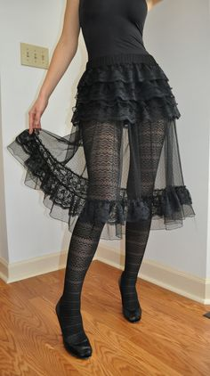 Black Lace Tulle Steampunk Gothic Ruffle Skirt OverSkirt ( also Available in White) - XS S M L Ruffle Skirt, Dress Skirt, Dress Up, Ruffles, Dark Fashion, Gothic Fashion, Short Boxer, Mode Sombre, Harajuku