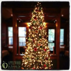 Christmas in the Restaurant at Applewood.