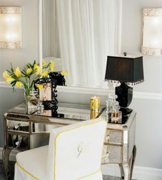 i love vanities, especially this mirrored one. so glam!