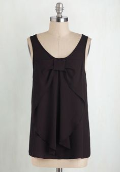 Hello, Bow! Top in Onyx From the Plus Size Fashion Community at www.VintageandCurvy.com