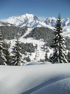 Le Mont-Blanc vu depuis Les Saisies dans le Beaufortain - Savoie
