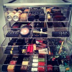 organizando tudo!!!!! olha @licamelzer - @casamenteiras- #webstagram