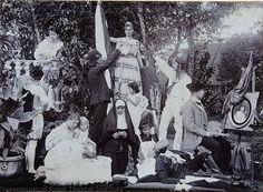 Tableau vivant in Nederlands-indië door Koningin Wilhelmina ? (1898)