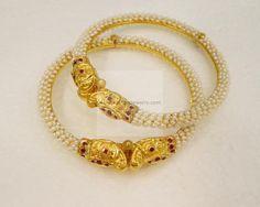 Bangles / Bracelets / Kada - Gold Jewellery Bangles / Bracelets / Kada (BG501004078) at USD 2,098.42 And EURO 1,913.72