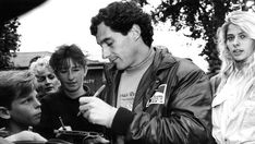 Ayrton Senna arrives in Adelaide with Brazilian girlfriend Adriane Galisteu in November, 1993. Picture: Narelle Autio  -Fonte: http://www.news.com.au/national/south-australia/ayrton-sennas-final-grand-prix-triumph-was-in-adelaide-20-years-ago-this-week/story-fnii5yv4-1226755780816