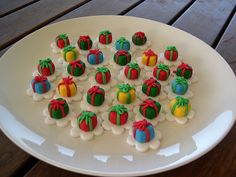 Christmas cupcake toppers presents