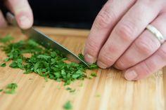 ミントシロップの作り方 着色料なし!色鮮やかなミントシロップを作る方法   レシピ   ミントシロップ, ミント