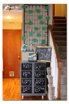 Love the chalk board paint and crib/ message board Dresser Organization, Craft Organization, Crib Spring, Drawer Labels, Front Doors With Windows, Bee Crafts, Luck Of The Irish, Diy Craft Projects, Board Paint