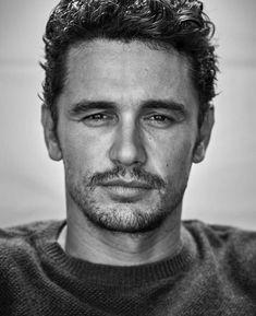 Love the scruffy James  Franco