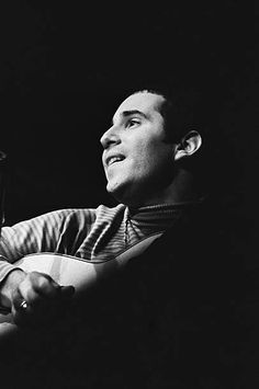 Paul Simon of Simon and Garfunkel performs on stage at the Monterey Pop Festival on June 16 1967 in Monterey California Monterey Pop Festival, Simon Garfunkel, Monterey California, Paul Simon, Rock Festivals, June 16, Classic Rock, Music Artists, Rock N Roll