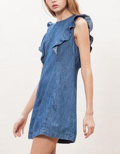 Dżinsowa sukienka z falbankami  119,90 PLN