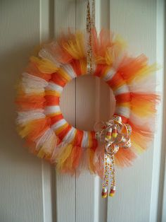 """Clare's Contemplations: """"Candy Corn"""" Tulle Wreath- instructions on how to make the bow, too"""
