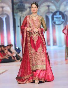 Pakistani Bridal Lehenga Pics, Pakistani Bridal Gowns, Barat Dresses for Pakistani Brides, Designer Made Pakistani Bridal Wears and Pakistani Bridal Dresses