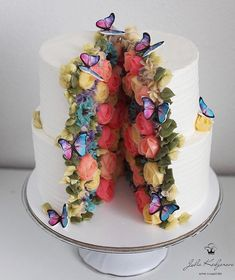 So pretty, the cake couldn't possibly contain it all! Part of Art & Home's curated collection of over 55 Amazing, Cool & Beautiful Birthday Cakes Butterfly Birthday Cakes, Unique Birthday Cakes, Beautiful Birthday Cakes, Butterfly Cakes, Beautiful Cakes, Amazing Cakes, Stunningly Beautiful, Cake Birthday, Birthday Cake For Women Simple