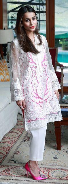 Hira Hashmi Sheikh white and pink Pakistani Couture, Pakistani Outfits, Indian Outfits, Beautiful Dresses, Nice Dresses, Casual Dresses, Formal Dresses, Desi Clothes, Mode Hijab