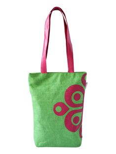 So, you want to go to your college and are confused about which bag to carry. A bag that showcases your style, love for fashion and yet helps you stand out from the crowd. This printed Jute bag from Earthen Me can be a great choice. Reason why it will help you to stand out is simple because it makes a unique eco fashion statement like nothing else before.    http://www.earthenme.com/New-Arrivals/Half-Print-College-Green-Tote-Bag-id-2030529.html