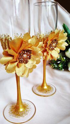 wedding flutes gold flower bride and groom flutes. wedding personalized, gold wedding flutes wedding champagne glasses.gold wedding set of 2 ##wedding #silver #crystal #beads #decor #wedding #favor #gold #luxury #flutes gold #glasses gold