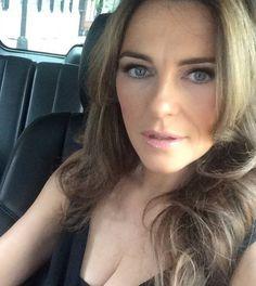 elizabeth hurley instagram | FOTO: Elizabeth Hurley, 50, wys haar bikini-lyf | SARIE