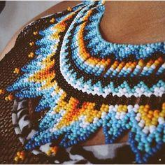 Okama #color #colores #pensamiento #diseños #accesorios #tradicion #españa #portugal #cartagena #india #bogota Seed Beads, Instagram, Blanket, Crochet, Portugal, Beading, Diy, Ideas, Diy Kid Jewelry