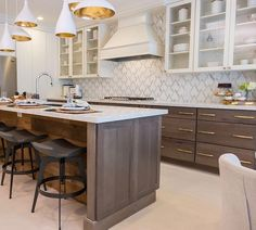 Here's what you missed on Property Brothers last night: This glam kitchen featuring our VZAG white gold tile and also, the Scotts. Property Brothers Designs, Property Brothers Kitchen, Decor Interior Design, Interior Design Living Room, Room Interior, All White Kitchen, Updated Kitchen, Küchen Design, Home Decor Bedroom