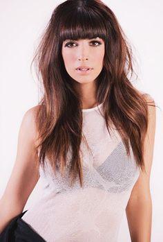 Hannah Simone --  lovin' the hair!