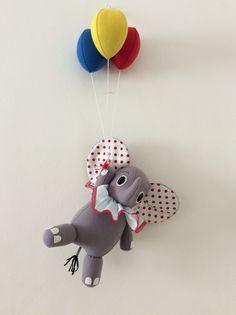 Elefantinho e balões