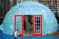 A pop up shop - would make a cool home office.