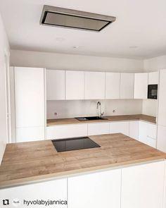 Double Vanity, Tiny House, Kitchen Cabinets, Bathroom, Home Decor, U Shaped Kitchen, Modern White Kitchens, Home Kitchens, Washroom