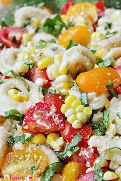 Tortellini Pasta Salad with Tomatoes, Basil, and Fresh Corn: a perfect summer side dish or light supper | FiveHeartHome.com