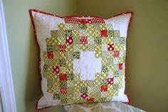 Christmas Wreath Pillow (link to a Moda Bakeshop tutorial)