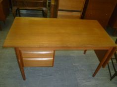 In the land of dreams where I have a house and not a 2bed flat, this could be mine. Simple nice wood - Desk  £35