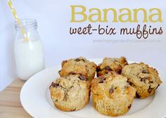 Banana Weet-bix Muffins, only 2 tablespoons of sugar!! Lunch Box Recipes, Lunch Snacks, Baby Food Recipes, Sweet Recipes, Baking Recipes, Snack Recipes, Lunchbox Ideas, Baby Snacks, Baby Foods