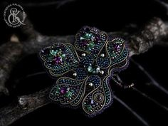 Bead Embroidery Jewelry, Beaded Embroidery, Beaded Jewelry, Brooches Handmade, Handmade Jewelry, Beaded Brooch, Flower Brooch, Artisan Jewelry, Seed Beads