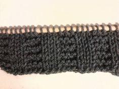 Il punto coste a legaccio 3/3 Fingerless Gloves, Arm Warmers, Crochet, 3, Knitting, Pattern, Bonnets, Tutorial, Tejidos